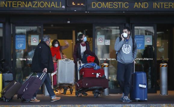 Srpski državljani zarobljeni na međunarodnim aerodromima stižu u Srbiju