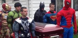 5-latek umarłna raka. Pochowali go jak superbohatera