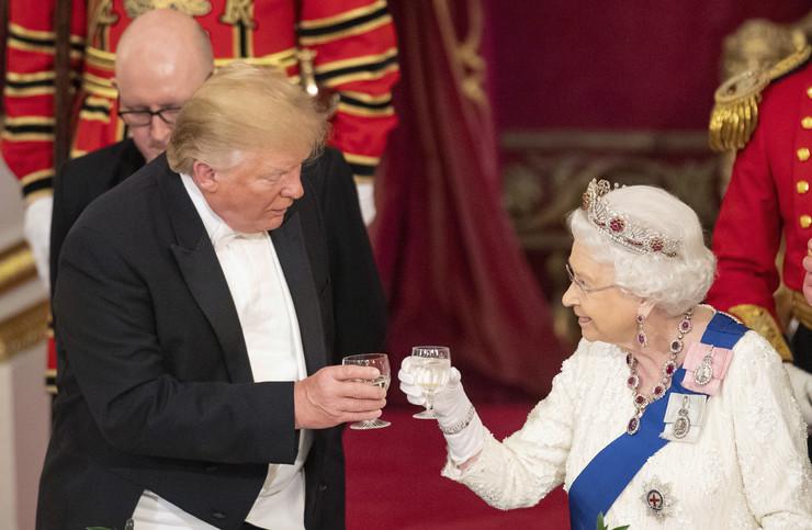 Donald Tramp, Kraljica Elizabeta II