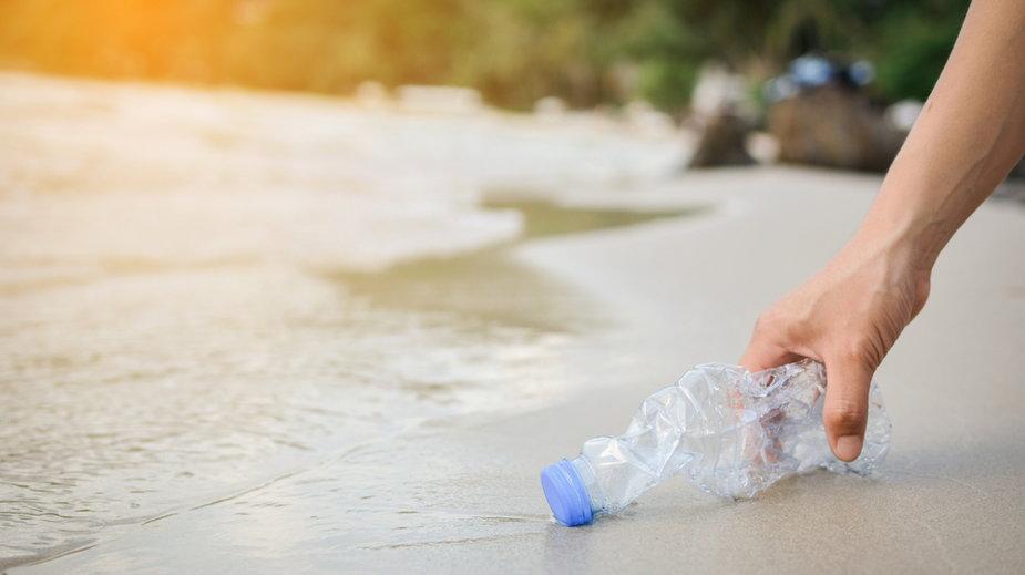 Ile plastikowych odpadów produkujesz? Oblicz. Te liczby szokują