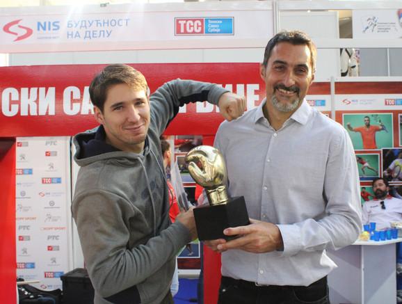 Nenad Zimonjić i Dušan Lajović sa trofejom