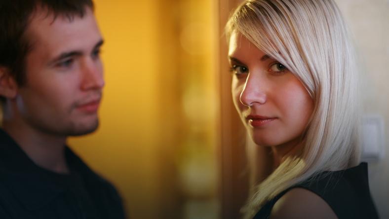 Stosunek ojca do córki tworzy matrycę, według której będzie konstruowała swoje kontakty z mężczyznami