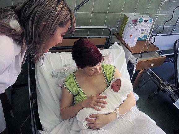 Doktorka ima četiri sina, a sada je na svet donela ćerku
