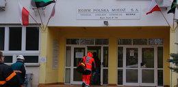 Wstrząs w kopalni w Polkowicach. 7 poszkodowanych. 58-letni górnik nie żyje