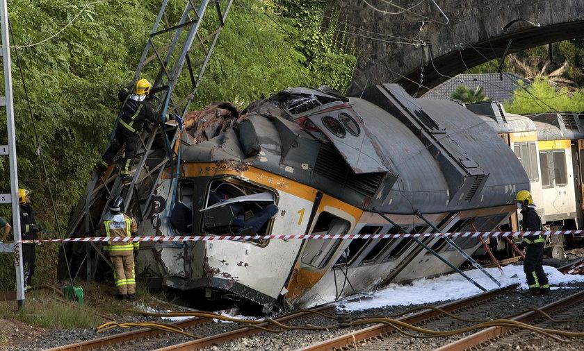 Katastrofa kolejowa w Hiszpanii. Wykoleił się pociąg jadący z Vigo do Oporto. Są ranni i zabici