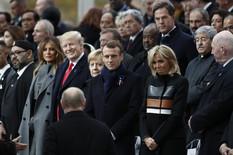 POGLED SVE GOVORI Svi pričaju o trenutku kada je Tramp ugledao Putina (FOTO)