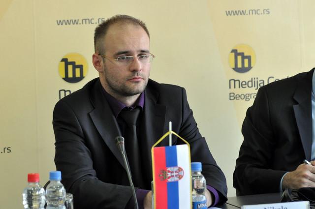 Oko 2.000 ljudi trguje na međunarodnim finansijskim tržištima: Nikola Bulajić