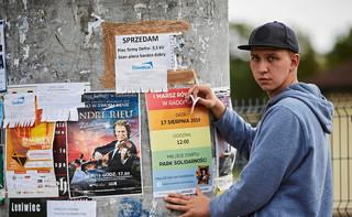 Pierwszy Marsz Równości przeszedł przez Radomsko. Policja zatrzymała osobę, która ukradła tęczową flagę