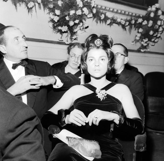 Ana Falarino je upoznala markiza dok je on još uvek bio u braku sa prvom ženom