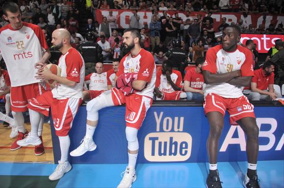 Crveno-beli su iščekivali da li će se na teren vratiti košarkaši Budućnosti