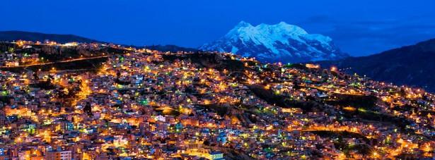 11. miejsce: La Paz – stolica Boliwii. Do ciekawostek należy fakt, że jest to najwyżej położona stolica na świecie. Niezwykłe położenie miasta zachęca do jego obejrzenia. Dzienny pobyt w La Paz można zamknąć kwotą 21.47 USD.