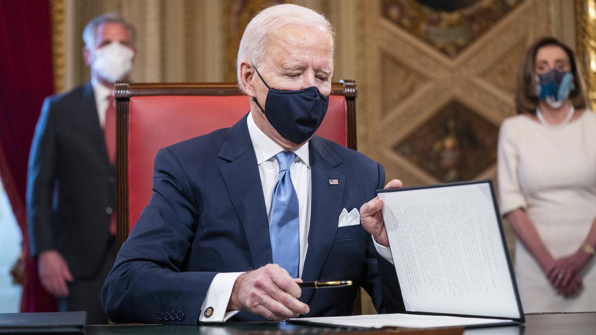 Joe Biden máris átrendezte az Ovális irodát: nem hiszi el, mi volt az első dolga