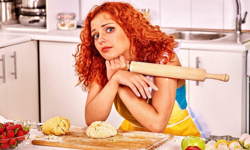 Jak szybko i dokładnie rozrobić ciasto? Zobacz, co radzą kucharze!