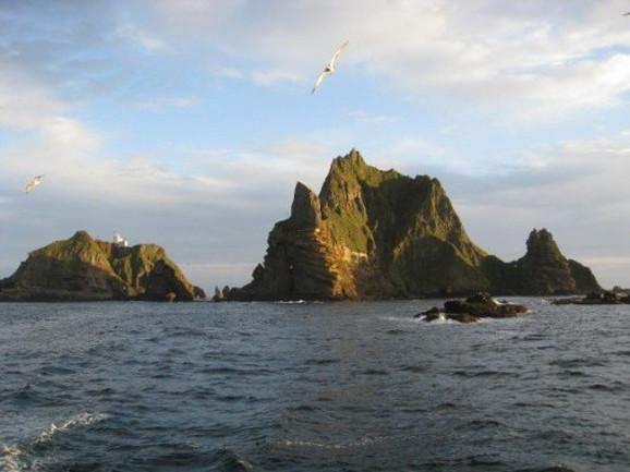 Dokdo / Takešima ostrva