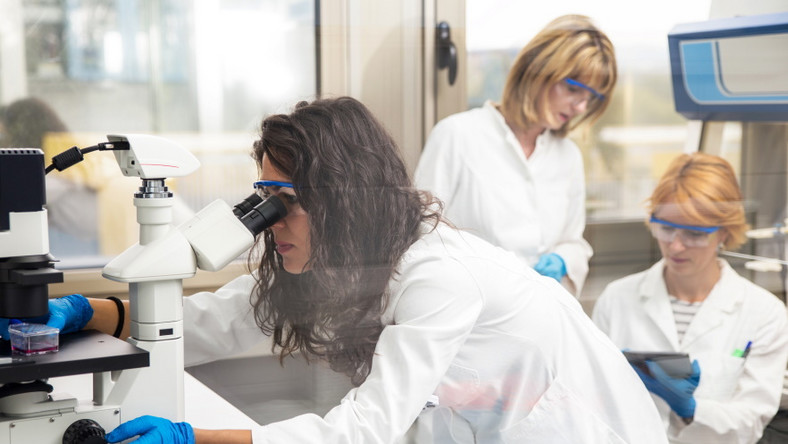 Badania naukowe w laboratorium