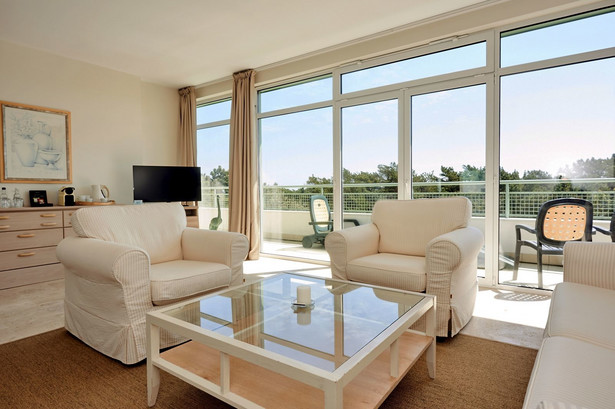 Komunikaty marketingowe, które promują inwestycje w condohotele/aparthotele, często zawierają informacje o bezpieczeństwie lokaty oraz gwarancji osiągnięcia 7–10 proc. zysków w skali roku.