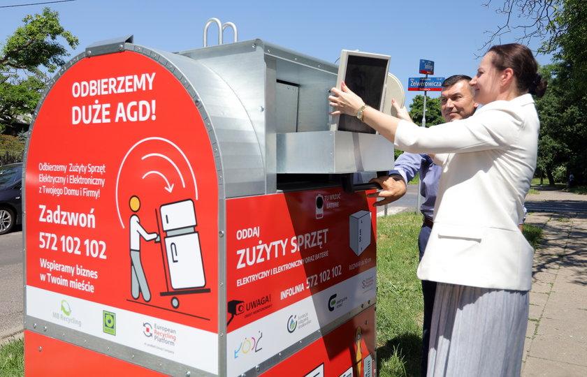 W Łodzi elektrośmieci wyrzucisz teraz do kontenera przed domem.
