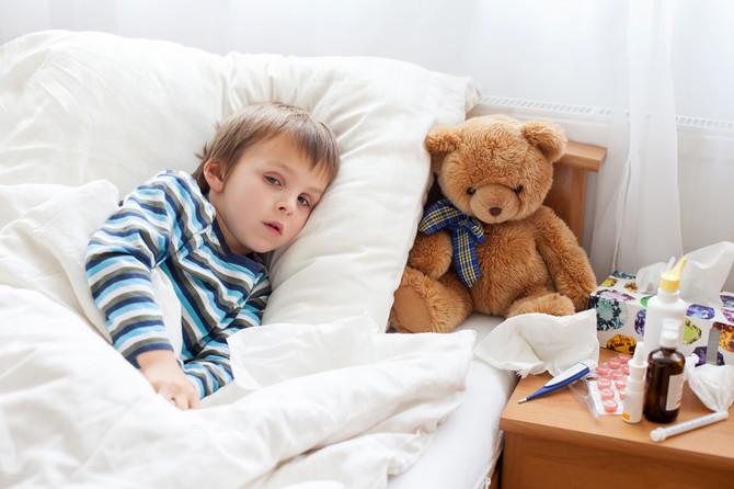 Dete se žali na bol u grlu, malaksalo je, odbija hranu i obično ima visoku temperaturu