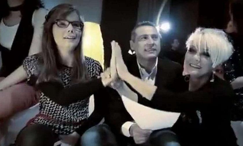 Polscy celebryci śpiewają piosenkę świąteczną. Wideo