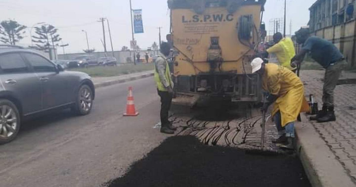 FG, LASG clarify road repairs, allay fears on 3rd Mainland Bridge - Pulse Nigeria