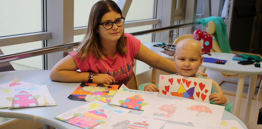Chora 6-letnia Hania pomaga innym dzieciom