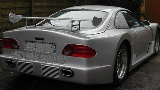 Ciekawostka z ogłoszenia: Mercedes CLK GTR na każdą kieszeń