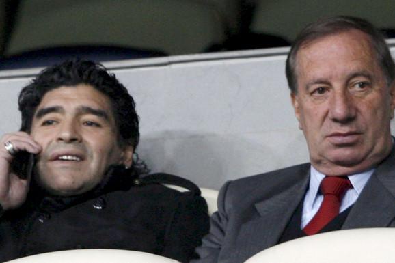 """""""ISKLJUČILI SMO MU TV, NE SME DA SAZNA"""" Neverovatna priča! Ovaj čuveni Argentinac još NE ZNA da je Maradona umro, jer bi to moglo da ga UBIJE!"""