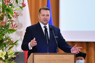 Czarnek: Wracamy do nauki stacjonarnej na uczelniach w całym kraju