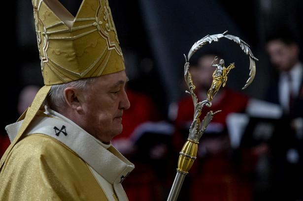 Metropolita warszawski kardynał Kazimierz Nycz przewodniczy uroczystej sumie pontyfikalnej w archikatedrze warszawskiej św. Jana Chrzciciela w Niedzielę Wielkanocną.