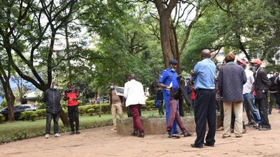 Police disperse protestors in Nairobi's Jeevanjee Gardens
