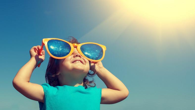 Krem przeciwsłoneczny stosowany w dzieciństwie i w dorosłości chroni przed czerniakiem