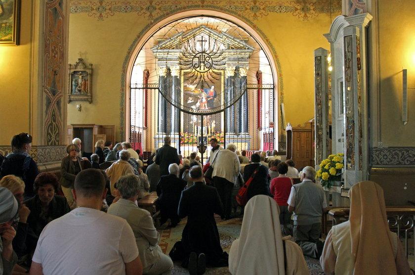 Tłumy wiernych pielgrzymują do Sokółki