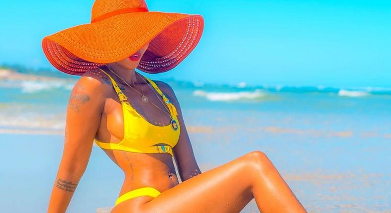 Huddah Monroe in trouble after attacking Alcohol Billboards in Nairobi