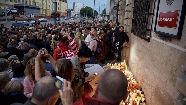 W Gdańsku protestowano wczoraj pod Sądem Okręgowym