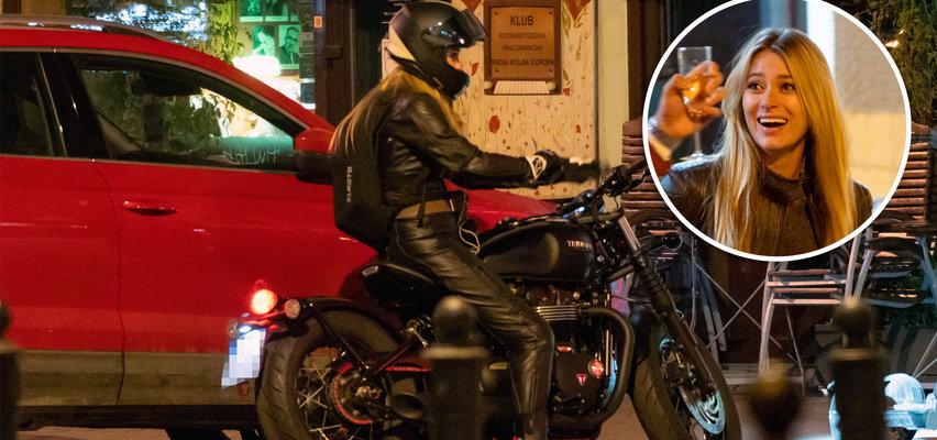 Marcelina Zawadzka przyjechała motocyklem za 60 tys. złotych na spotkanie ze znajomymi. WIDEO