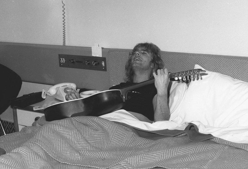 Nie żyje słynny gitarzysta. Jego piosenkę znają wszyscy