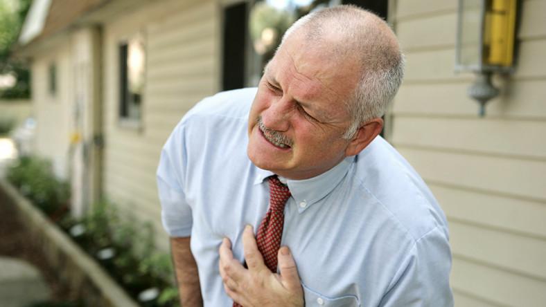 Mężczyzna z zawałem serca