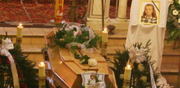 Pogrzeb Ewelinki. Spoczęła w mogile