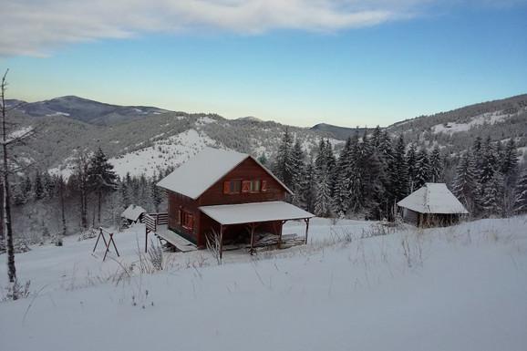 Prelep pogled iz vikendice na Mokroj Gori