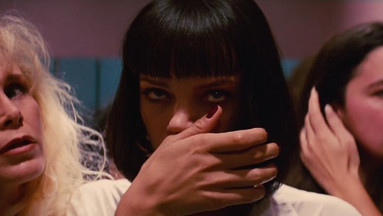 """Tarantino w nakręconym w 1994 roku """"Pulp Fiction"""" pozwolił brać narkotyki granej przez Umę Thurman Mii Wallace. Przed całkowitym zejściem uratował ją John Travolta z wielką strzykawką z adrenaliną w ręku."""