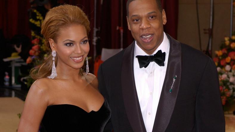 """Według """"Boston Globe"""" rodzice małżonki rapera nie mają ani jednego syna. Właśnie z tego powodu Shawn Carter (Jay-Z) przyjął nazwisko partnerki ( Shawn Knowles-Carter)"""