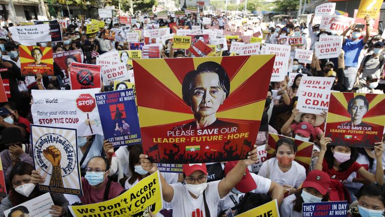 Protesty w Birmie