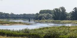 Noworodek z przebitym gardłem dryfował rzeką. Nowe fakty