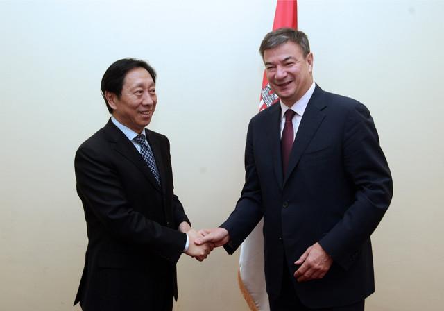 Goran Knežević i Ju Jong