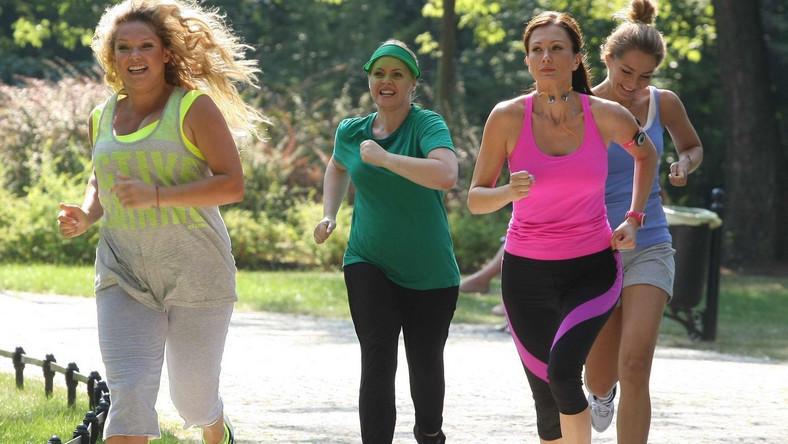 Przyjaciółki stwierdzą, że od dzisiaj razem będą biegać, aby zadbać o swoją kondycję.