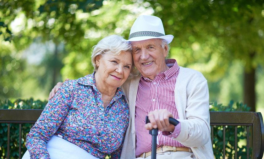 200 zł dodatkowo do emerytury. Rząd szykuje specjalny program dla wybranych seniorów.