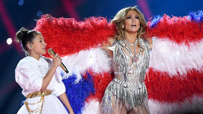Super Bowl 2020: Jennifer Lopez i Emme Maribel