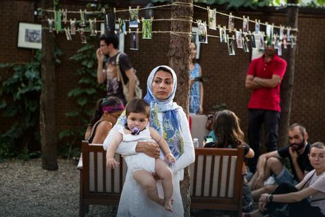 Podrška: Farhadova majka na izložbi na Vračaru