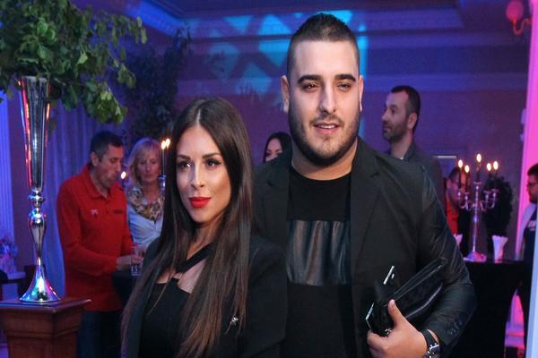 """""""DARKO JE ŠMRKAO U MOM KUPATILU!"""" Skandal oko razvoda Ane i Lazića se ne stišava, a sada se umešala i UČESNICA RIJALITIJA!"""