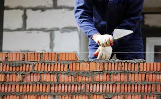 Hofman: Producenci materiałów budowlanych konsekwentnie wykorzystują popyt i podnoszą ceny